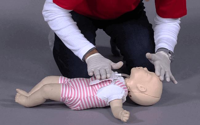 Bebeklerde ve Çocuklarda CPR (Yaşam Desteği) Nasıl Yapılır?